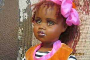 Jan McLean doll named Grace - 2001 vinyl limited edition - Closeup